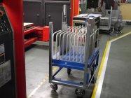 工場で使用しているパイプ台車