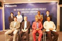 南アフリカでの寄贈式の様子~「ソーラーランタン10万台プロジェクト」寄贈累計8万台を達成