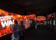 アクロサインによる、「フエルサ ブルータ」ロビー空間演出イメージ