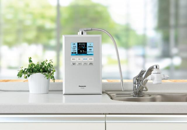 """パナソニックが業界最高レベル""""高性能浄水カートリッジ""""搭載の還元水素水生成器 TK-HS92を発売"""
