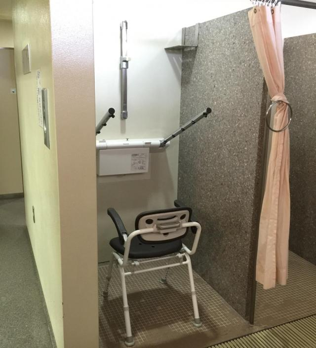 パナソニックが「かわさきパラムーブメント」と連携し、スポーツ施設の快適環境を創出~川崎市とどろきアリーナに「Theシャワー」を設置