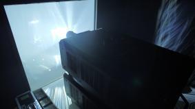 「Air Inventions」内部に設置された超高輝度レーザープロジェクター