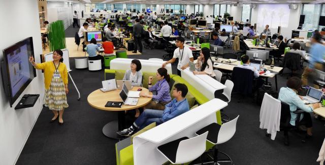 パナソニック コネクティッドソリューションズ社の東京・大阪 両オフィスが第31回日経ニューオフィス賞を受賞
