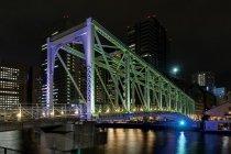 天王洲ふれあい橋(手前:紫色、奥:緑色)