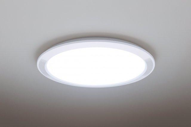 テレビの「音」にもっと臨場感を!そんな望みに応える、スピーカー搭載LEDシーリングライトにスタンダード(薄型)タイプ「THE SOUND」が登場