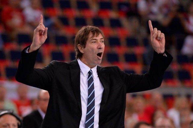 バレーボール パナソニック パンサーズの新監督にフランス代表現監督のティリ・ロラン氏の就任が正式決定