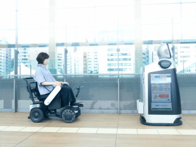 高輪ゲートウェイ駅構内においてロボットによるサービス実証実験を実施