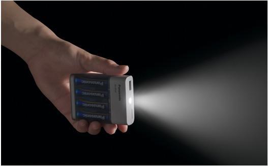 乾電池「エボルタNEO」4本使用時