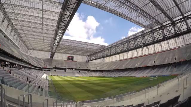 パナソニックがブラジル初のスタジアム内デジタルサイネージシステムを納入