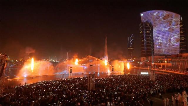 世界最大規模のプロジェクションマッピングでギネス世界記録(TM)~ドバイ フェスティバル シティ