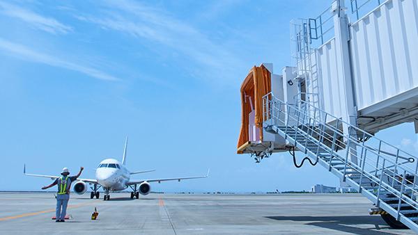 航空機に搭乗橋を自動装着 AI活用で未来のスマート空港へ(後編)