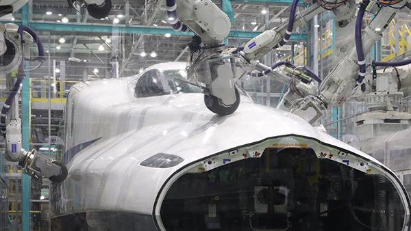 """新幹線初の「先頭車研ぎ装置」繊細な力加減を再現した""""日本の技術魂"""""""