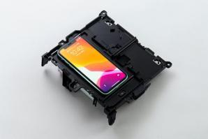 パナソニックのスマートフォン向け新世代ワイヤレス充電器が新型「クラウン」に採用